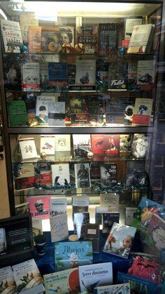 Escaparate de Librería Ojanguren (Oviedo)