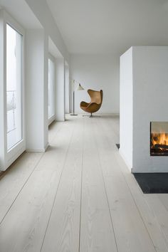 The Five Most Important Tips for Minimalist Interior Design - Minimalist Home Decor - Interior Architecture, Interior And Exterior, Estilo Interior, Interior Minimalista, Deco Design, Minimalist Interior, Wooden Flooring, Interior Design Inspiration, Home And Living