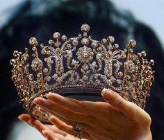 The Poltimore Tiara was purchased in 1960 for HRH The Princess Margaret and it was worn on her wedding day. The Princess kept and wore the tiara for the rest of her life. It was sold for far more than. Royal Crowns, Royal Jewels, Tiaras And Crowns, Crown Jewels, Pageant Crowns, Royal Tiaras, Bling Bling, Jewelery, Jewelry Accessories