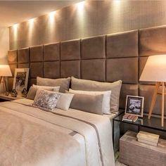 54 Ideas for oak bedroom furniture decor interiors Sectional Patio Furniture, Oak Bedroom Furniture, Rustic Living Room Furniture, Furniture Decor, Hotel Bedroom Decor, Bedroom Bed Design, Home Room Design, Art Deco Home, Suites