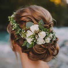 Idea de peinado para bodas - Updo wedding hairstyle - #wedding #bride #bridalwear #cabotine #novias #bridal #wedding #weddinginspiration #weddingphoto #beautiful #design #updo #hairstyle http://gelinshop.com/ipost/1524580684599965084/?code=BUoZg4ZALWc