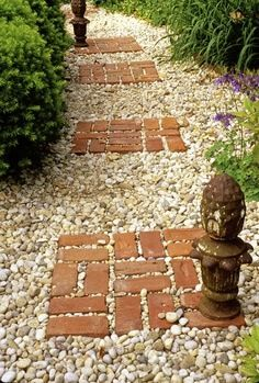 Great red brick and gravel path idea