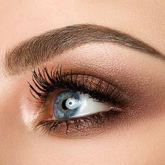 Beauty Blender Tips, Beauty Blender How To Use, Make Up Tutorials, How To Apply Concealer, How To Apply Makeup, Blue Eyes Pop, Applying False Eyelashes, False Lashes, Best Natural Makeup