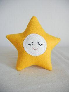 Sleepy star via Etsy. So sweet! Minimalist Baby, One Star, My Little Girl, Handmade Toys, Wool Blend, Recycling, Fiber, Things To Come, Felt