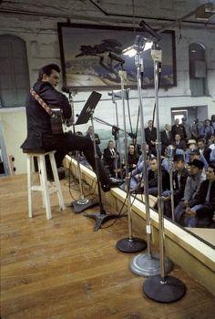 "Johnny Cash performing for prisoners at Folsom Prison – Jan. I love the live version of ""Folsom Prison"". My favorite Johnny Cash song Johnny Cash Live, Johnny Cash June Carter, Johnny And June, Johnny Cash Prison, Here's Johnny, Elvis Presley, The Rolling Stones, Janis Joplin, Black Sabbath"