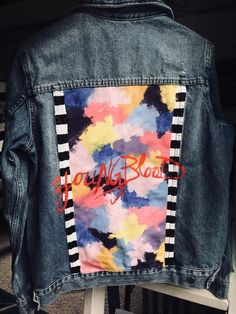 Painted Denim Jacket, Painted Jeans, Painted Clothes, 5sos Concert Outfit, 5sos Outfits, Custom Clothes, Diy Clothes, 5sos Clothes, Concert Clothes