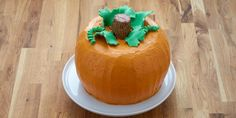 Halloween Pumpkin Bundt Cake