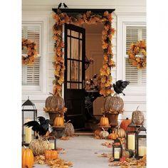 Love this black door!!! Halloween door~✿~