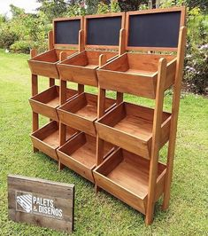 Let's upcycle your junk pallet wood for a new look of your lounge, garden as well as your outdoor. Reshape and transform useless wood pallets to craft a beautiful chair, a deck plan or an LED stand for your home. Utilize the old wood pallets and crea Recycled Pallets, Wood Pallets, Pallet Wood, Pallet Couch, Outdoor Pallet, 1001 Pallets, Pallet Crates, Pallet Benches, Pallet Tables