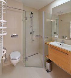 hotel visegrád Toilet, Bathtub, Bathroom, Standing Bath, Washroom, Flush Toilet, Bathtubs, Bath Tube, Full Bath
