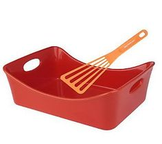 The Perfect lasagna Pan by Rachel Ray. Nice & Deep for extra layers.
