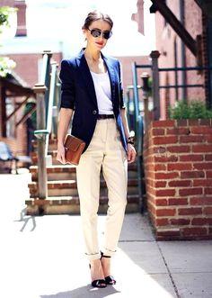 С чем носить женские брюки-чинос 9
