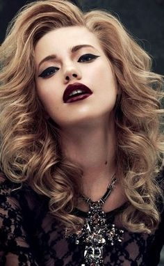 Bold Curls + Bombshell Lips......I couldn't pull this off, but for those who can, do this!!!!