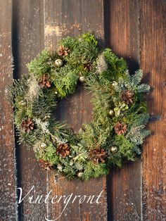 Lag et nydelig lynghjerte! Grapevine Wreath, Grape Vines, Most Beautiful, Floral Wreath, Christmas Decorations, Wreaths, Squirrels, Garden, Photographs
