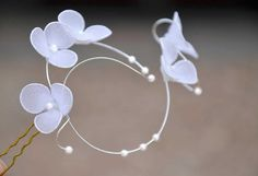 White /Ivory wedding headpiece Fascinator Delicate jewellery for wedding Hair pin Bridal hair flower