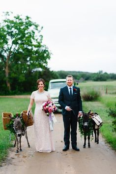 Whimsical Ranch Wedding at Pecan Springs Ranch in Austin, TX | Plannner: Pure Love Style | Images by: Al Gawlik Photography and Sarah Goss Photography | Flowers by: The Flower Girl and Pure Love Style