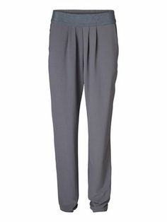 Chill out in these cool trousers from VERO MODA. #veromoda #trousers #grey #fashion #chill #cool