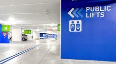Desenvolvido pelo escritório de design BrandCulture, o sistema de sinalização para o estacionamento do Sydney's World Square, na Austrália, buscou na utilização de cores e códigos precisos a …
