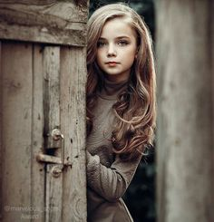 She looked past the guards, hoping to not be spotted before she made it to the wall. Beautiful Little Girls, Cute Little Girls, Beautiful Children, Beautiful Eyes, Cute Kids, Children Photography, Portrait Photography, Cute Young Girl, Child Models