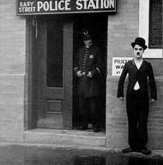 The easy Street (1917)