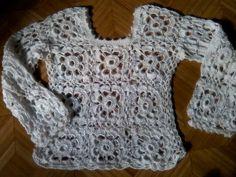 Carrossel: Blusa de crochê em linha de seda                              …