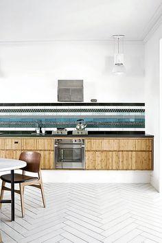 Amazing kitchen tiled splashback