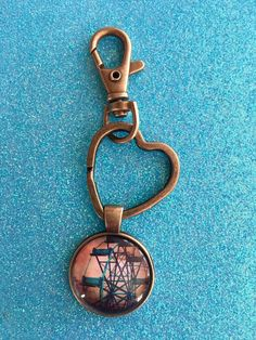 Old Ferris Wheel Keychain Glass Dome Bronze Heart Keychain Clip Amusement Park Purse Clip Bag clip Backpack clip college cubicle accessories