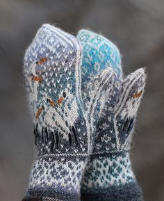 Ravelry: Herons In the Snow pattern by Natalia Moreva Crochet Mittens, Mittens Pattern, Knitted Gloves, Knit Crochet, Crochet Cats, Crochet Birds, Crochet Food, Knitted Dolls, Crochet Animals