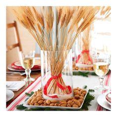 Ramos de trigo fazem um belo arranjo de Natal.  Eu Amo!  #natallardocecasa #natal #diy #ideia #xmas #nataldecor #decoracaodenatal #mesapostadenatal #mesasdenatal #mesahits #mood #ootd