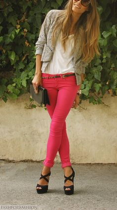 Pink skinnies, laced blazer, white top.