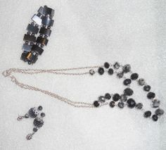 3 pc  Vintage Black and silver tone irridescent bead necklace Bracelet and Ering