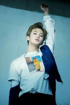 i didn't even realize he was wearing a beyonce shirt, legend indeed Mark Lee, Winwin, Taeyong, Jaehyun, K Pop, Nct 127 Mark, Lee Min Hyung, Johnny Seo, Na Jaemin