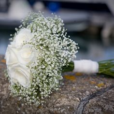 Google Image Result for http://lovetheblooms.com/wp-content/uploads/2012/08/live129372_gypsophila.rose_.weddingbouquet.jpg