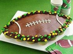 Football Pull Apart Cupcakes-superbowl