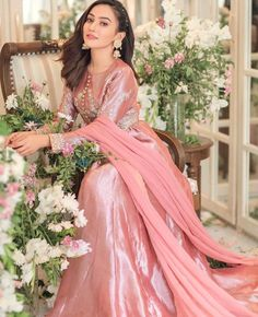Beautiful Pakistani Dresses, Pakistani Formal Dresses, Pakistani Dress Design, Beautiful Dresses, Indian Dresses, Pakistani Clothing, Stylish Dresses, Simple Dresses, Elegant Dresses