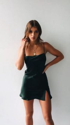 Short satin dress - Awesome Summer Style With Slip Dress – Short satin dress Hoco Dresses, Satin Dresses, Pretty Dresses, Homecoming Dresses, Dress Outfits, Prom, Sexy Dresses, Women's Clothes, Satin Mini Dress
