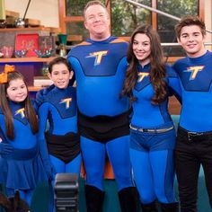 the-thundermans-family-picture-thunderfam-nickelodeon-nick.jpg (400×400)