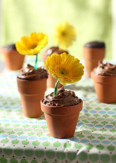 flower pot cakes ... cute idea