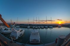 Lo spettacolo del tramonto visto dal Porto della Maremma