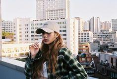 Lisa X Crazy Dancer for X Academy opening teaser. X Academy is Dance & Vocal academy under YG Entertainment Kpop Girl Groups, Korean Girl Groups, Kpop Girls, Rapper, Jennie Blackpink, Blackpink Lisa, Lisa Instagram, Instagram Posts, Instagram Ideas