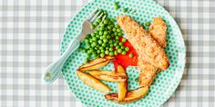 Salmon fish fingers with chunky chips and peas on a plate with a fork Toddler Meals, Kids Meals, Toddler Food, Easy Meals, Healthy Kids, Healthy Recipes, Keto Recipes, Chunky Chips, Fish Finger