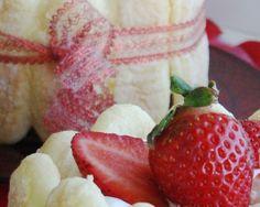 """750g vous propose la recette """"Charlottes aux fraises chantilly"""" notée 4.1/5 par 79 votants."""