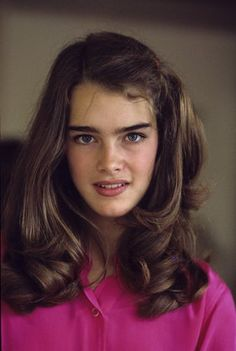 Brooke Shields has amazing hair. Brooke Shields Joven, Brooke Shields Young, Pretty People, Beautiful People, Beautiful Smile, Foto Portrait, Actrices Hollywood, Richard Avedon, Famous Faces