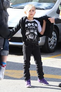 Kingston outfit #fashion #kids http://paperproject.it/fashion/kids/gwen-stefani-kingston-zuma-fratelli-stile/