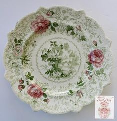 Vintage Plates, Vintage China, Vintage Items, Antique Dishes, Vintage Dishes, Farmhouse Fabric, Green Plates, Plate Art, China Patterns
