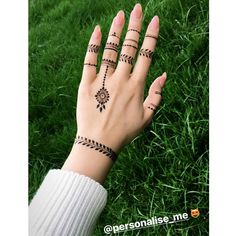 When your clients send you awesome shots keep em coming -. Pretty Henna Designs, Henna Tattoo Designs Simple, Finger Henna Designs, Mehndi Designs Book, Mehndi Designs For Beginners, Mehndi Designs For Girls, Latest Mehndi Designs, Mehndi Designs For Hands, Circle Mehndi Designs