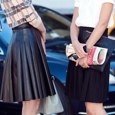 pleated skirts love the leather one NYFW Day 6 Photos by Karl Edwin Guerre New York Fashion Week Street Style, Nyfw Street Style, Street Chic, Dark Fashion, Fashion Photo, Autumn Fashion, 6 Photos, Urban Chic, Cute Skirts