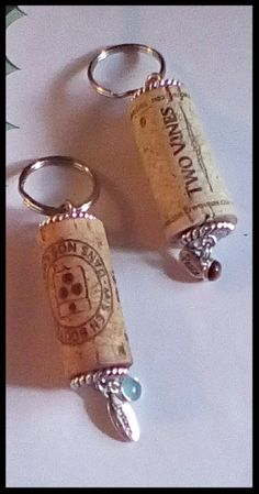 Cork Ideas, Wine Corks, Diy Keychain, Cork Crafts, Baby Shower Favors, Key Chain, Key Rings, Gift Ideas, Personalized Items