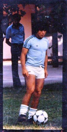 Diego. entrena con la selección en 1978