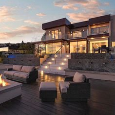 Modern architecture house design with minimalist style and luxury exterior and interior and using the perfect lighting style is inspiration for villas mansions penthouses Dream Home Design, Modern House Design, My Dream Home, Dream Big, Dream Mansion, Luxury Homes Dream Houses, Modern Architecture House, Modern Mansion Interior, Classical Architecture